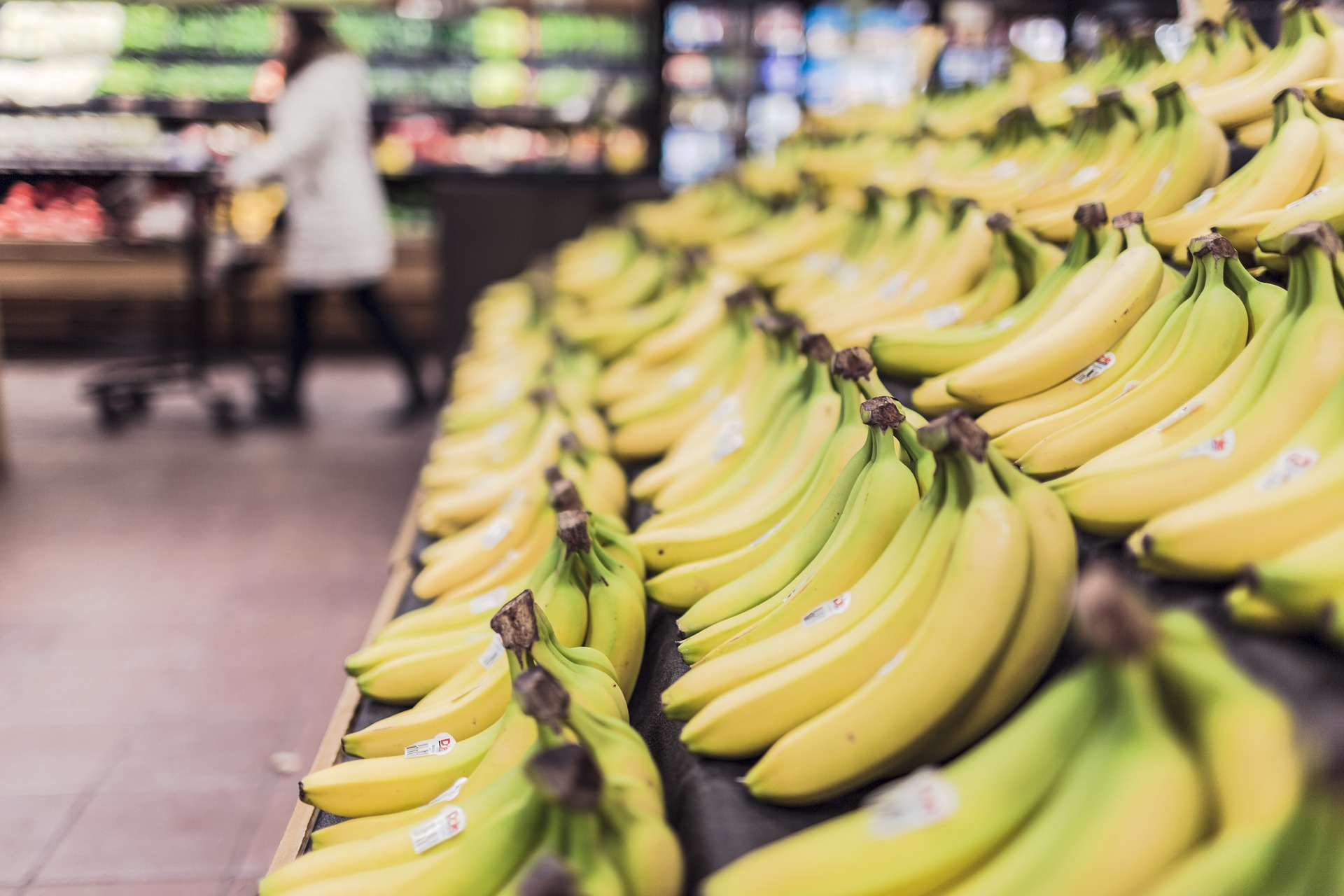 Supermarket loose bananas